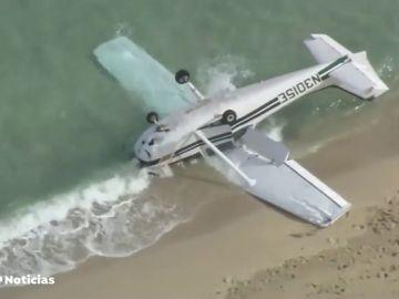 Milagro de Navidad en Florida: una avioneta se estrella y sus pasajeros resultan ilesos