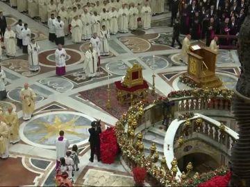 Mensaje del Papa contra la codicia en la Misa del Gallo