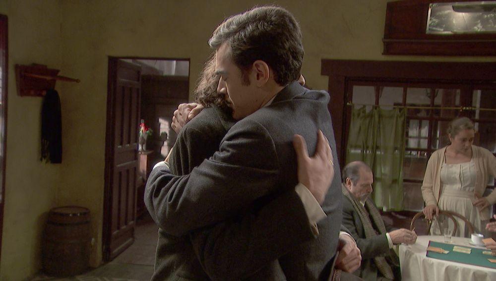 La emotiva reconciliación entre Isaac y Matías