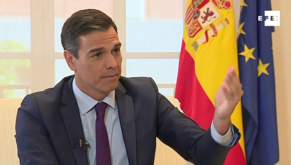 Pedro Sánchez se hace liberal para ocupar el centro