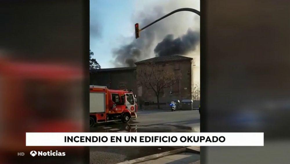 Incendio en un edificio okupado de Barcelona