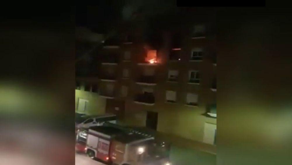 Los vecinos de un edificio de Cuevas de Almanzora desalojados por un incendio