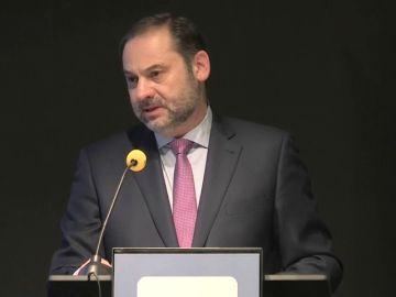 Ábalos dice que Navarra es la CCAA que más crecerá en gasto desde Fomento y marca como prioridad el tren a Extremadura