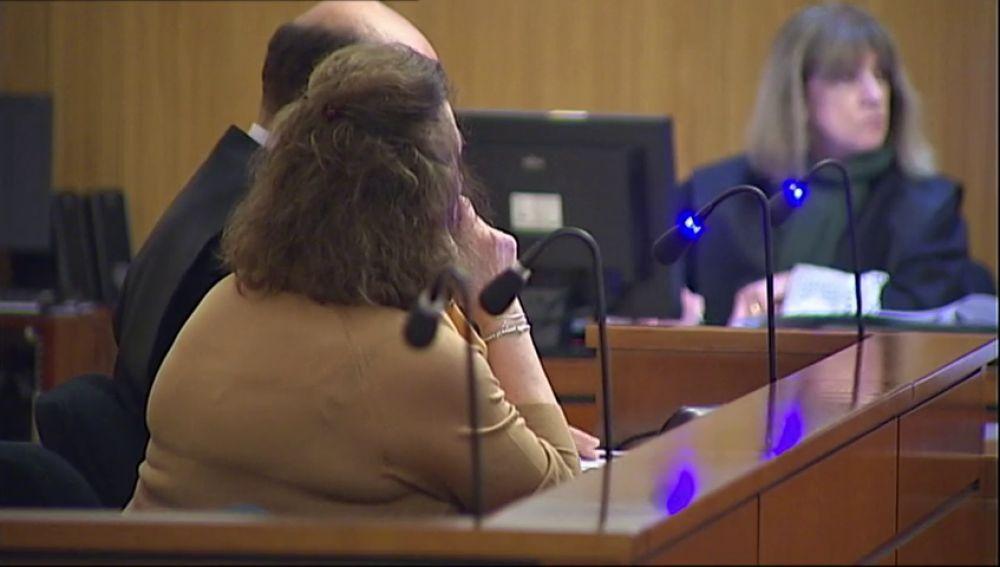 La enfermera acusada de espiar historiales clínicos se enfrenta a 3 años y medio de prisión