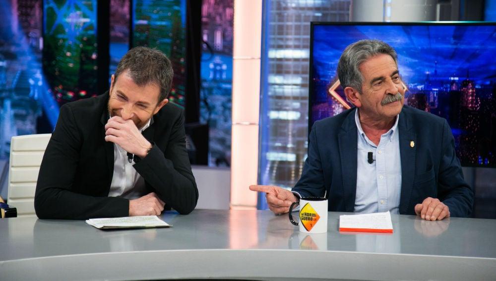 """VÍDEO: Miguel Ángel Revilla, """"enfadado"""" con Pablo Motos en su visita a 'El Hormiguero 3.0'"""