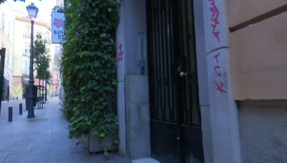 Crean 'comandos Loctite' contra los pisos turísticos