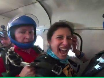 Las 'Mujeres voladoras' piden una mayor presencia de la mujer en el paracaidismo