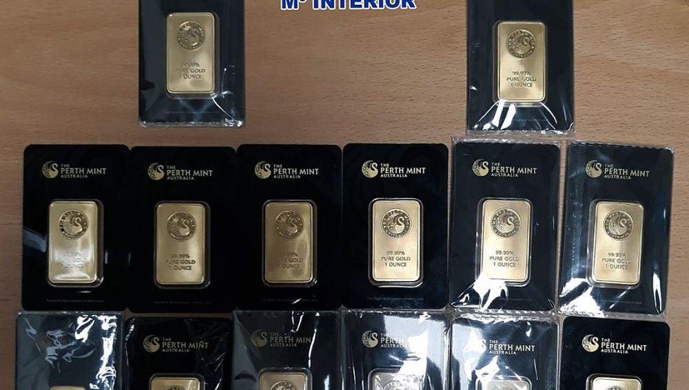 Tres detenidos por vender 20 lingotes de oro falsos en una tienda 'compro-oro'