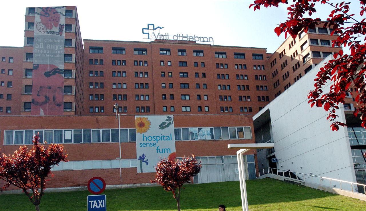 Vista general de la fachada principal del Hospital Vall d'Hebron de Barcelona