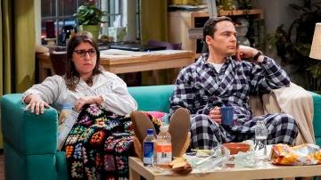 Amy y Sheldon en 'The Big Bang Theory'
