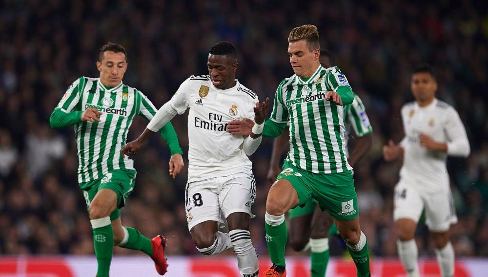 Momento del partido entre Betis y Real Madrid