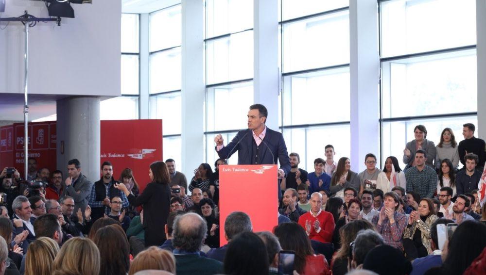 Pedro Sánchez en un acto del PSOE en Burgos