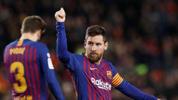 Leo Messi celebra su gol 400 en Liga
