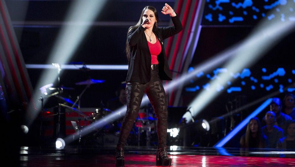 Victoria Julia Escudero canta 'I was born to love you' en las Audiciones a ciegas