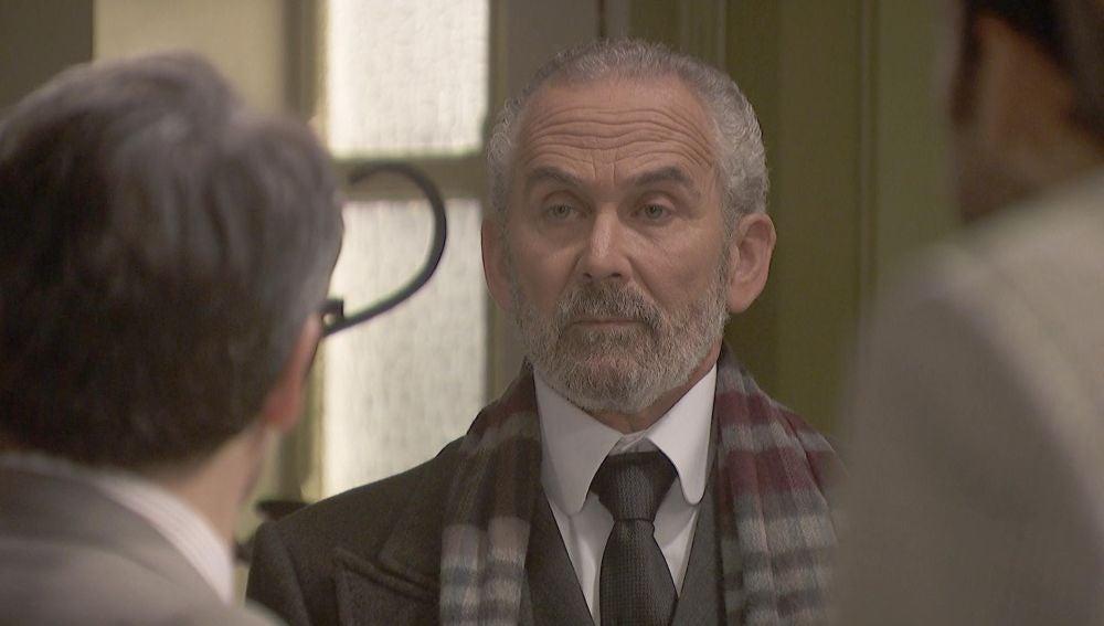 Eustaquio Molero se presenta por sorpresa en Puente Viejo