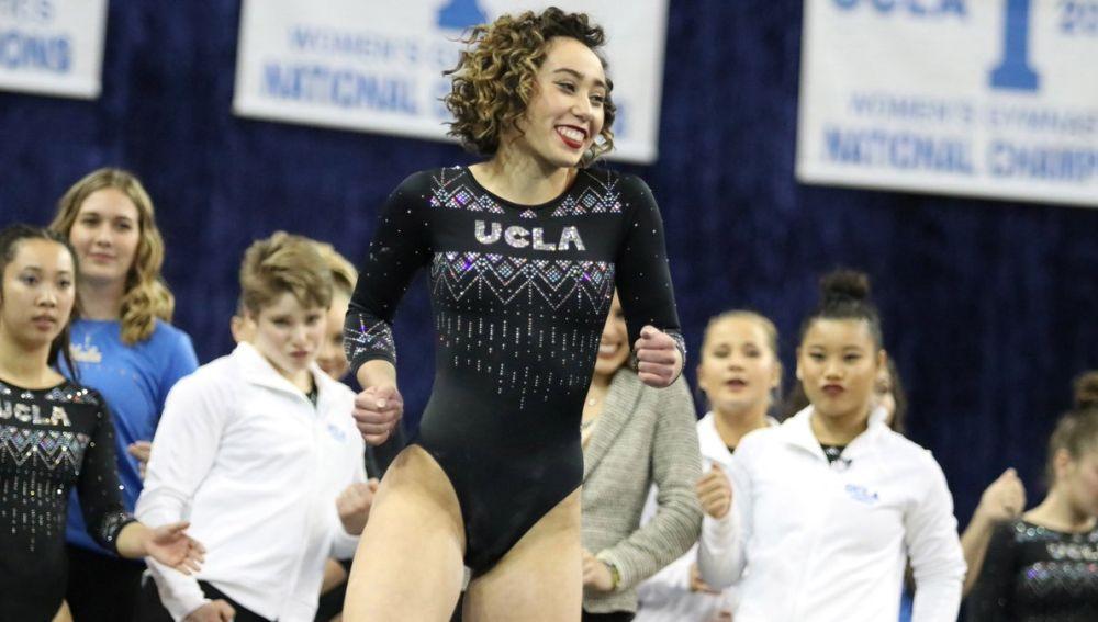 Katelyn Ohashi, gimnasta que representa a la Universidad de UCLA