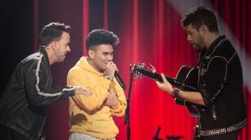 La Voz - Audiciones a ciegas 4 - Luis Fonsi, Pablo López y Lion interpretan 'Toxic'