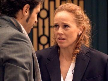 Natalia huye del hotel al creer que ha sido descubierta