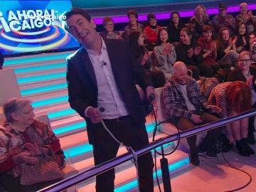 "Arturo Valls da ""tope de bateria"" al publico de Ahora Caigo"