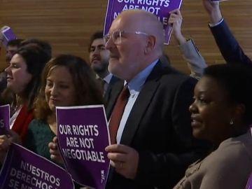 El 'Me Too' de la Eurocámara se concentra en contra de la política sobre la mujer de Vox