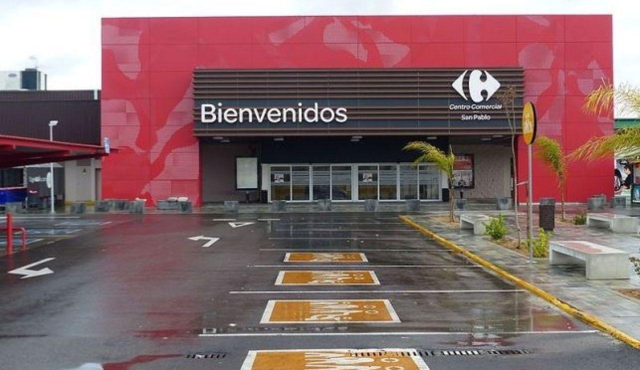 800px Carrefour, Sevilla Este, Sevilla, España, 2015 02_643x397