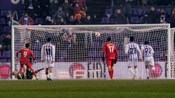 Ángel lanza y marca el penalti para el Getafe