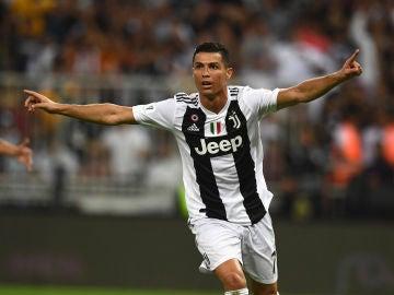 Cristiano Ronaldo celebra su gol con la Juventus