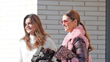El abrigo rosa de pelo de Paula Echevarría