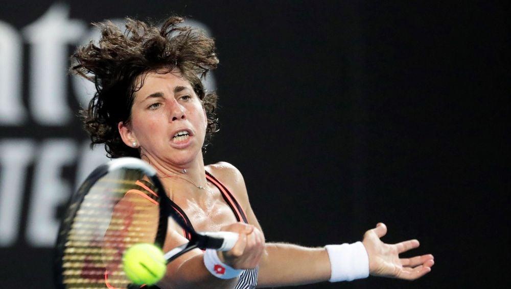 Carla Suárez, en acción ante Dayana Yastremska