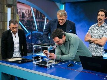 Objetos que levitan gracias a los ultrasonidos, la ciencia con la que Marron sorprende en 'El Hormiguero 3.0'