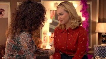 Luisita se disculpa con Amelia por haberla dejado plantada