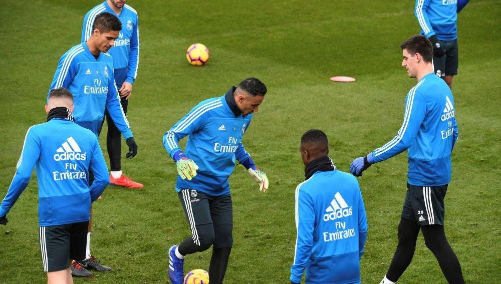 Courtois en un entrenamiento del Real Madrid