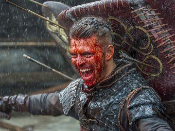 Alex Høgh Andersen como Ivar el Deshuesado en 'Vikingos'