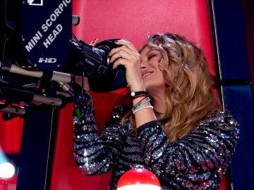 La Voz - Audiciones a ciegas 8 - Antonio Orozco y Paulina Rubio besan la cámara