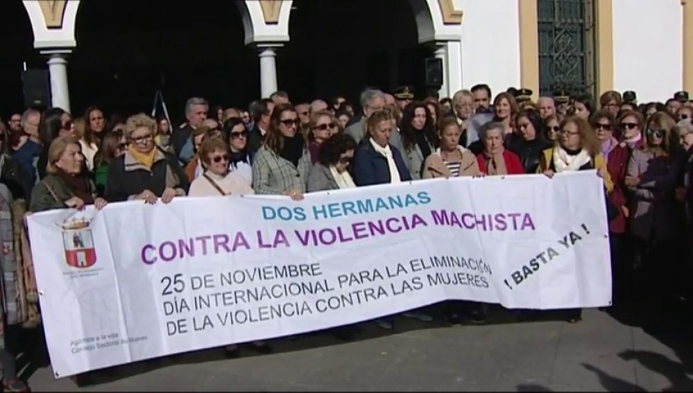 Minuto de silencio por la última mujer víctima de violencia de género