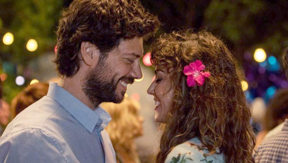 Álvaro Morte e Irene Arcos en 'El Embarcadero'