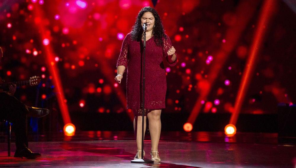 Guadalupe Jiménez canta 'Si no vivo contigo' en las 'Audiciones a ciegas' de 'La Voz'