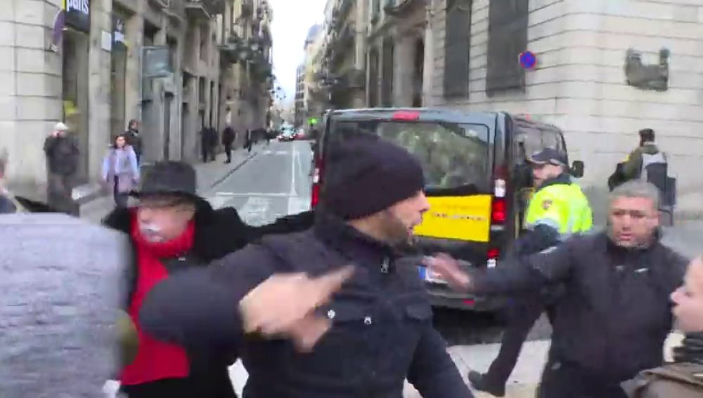 """Los conductores de los VTC: """"Acabaremos llevando el decreto que se apruebe a los tribunales!"""