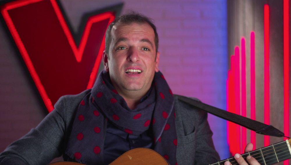"""Javi Moya pone rumba a 'La Voz': """"Tengo una guitarra en la consulta para sacar una sonrisa a mis pacientes"""""""