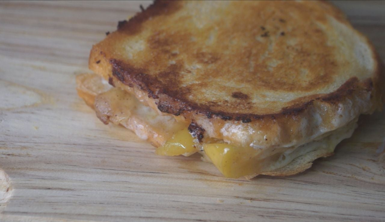 Apple Grilled Cheese Sandwich