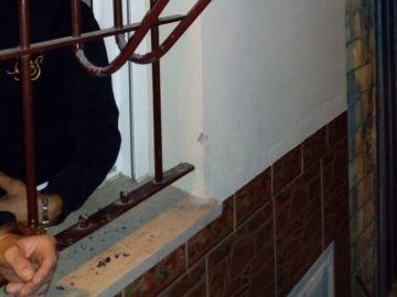 Imagen de la detención de dos acusados de robo en un bar en Cádiz