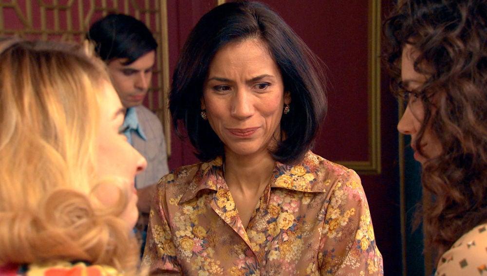 Manolita, incómoda en el encuentro con Luisita y Amelia