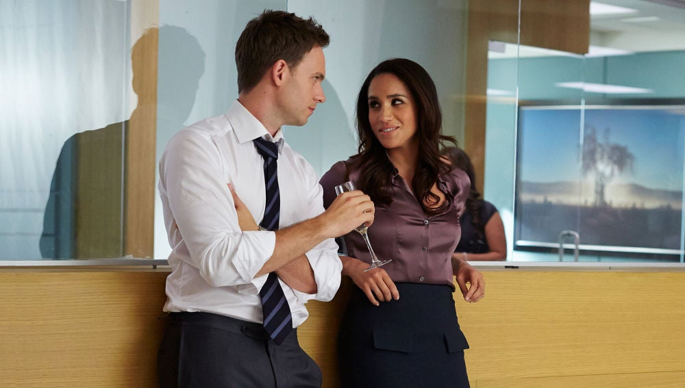 Patrick J Adams y Meghan Markle en 'Suits'