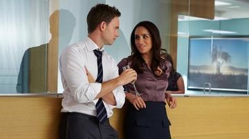 Patrick J Adams y Meghan Markle en 'Suits'