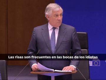 """Tajani responde a las carcajadas de los eurodiputados de izquierdas tras sus declaraciones sobre Venezuela: """"las risas son frecuentes en las bocas de idiotas"""""""