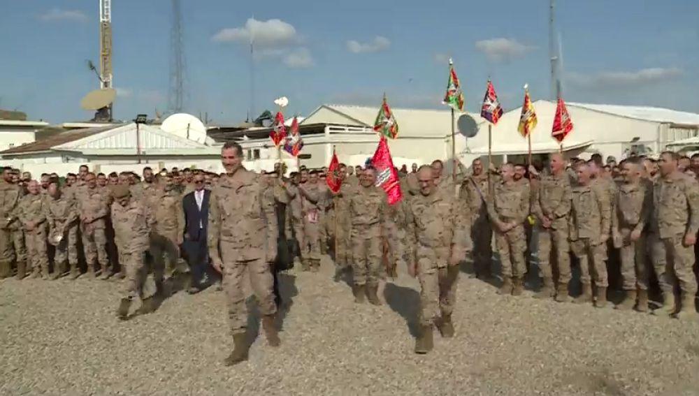 El Rey aterriza en Irak para visitar a las tropas españolas en su 51 cumpleaños