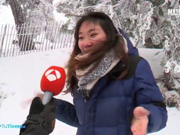 ¿Qué se siente al ver la nieve por primera vez? Así reaccionan los turistas más exóticos