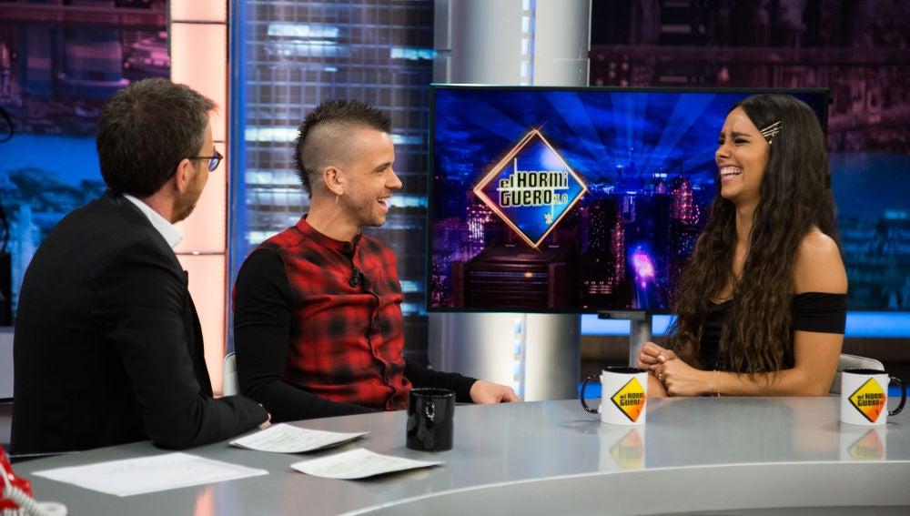"""Cristina Pedroche y Dabiz Muñoz confiesan en 'El Hormiguero 3.0' sus secretos de pareja: """"Hay abracito y besito matinal"""""""