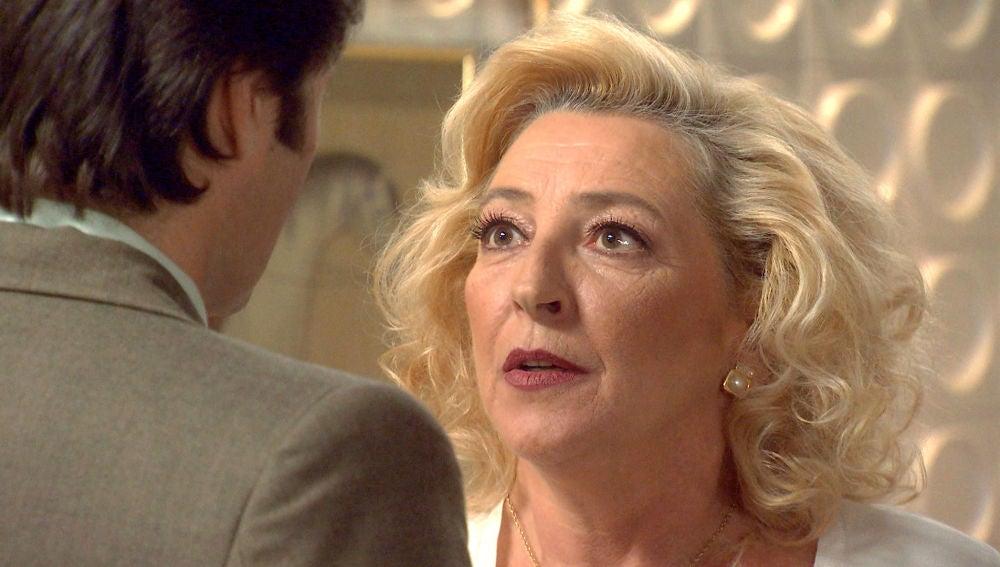Ascensión entra en cólera al saber que Natalia sería la tutora legal de Mónica