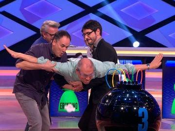 'Los Lobos' y Juanra Bonet consiguen que Alberto realice un salto base en '¡Boom!'
